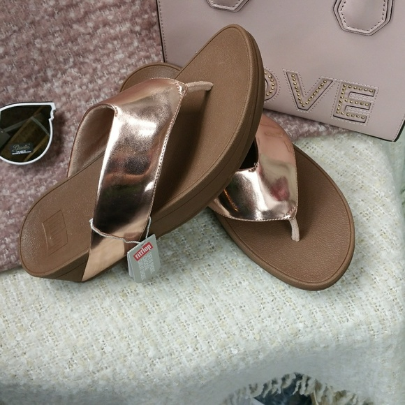 8ae8ddcbef15b5 NWT Fit Flops ROSE GOLD sandals FITFLOP Swoop 8